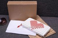 ingrosso borsa a frizione del cuore-Famosi unisex donna uomo lungo frizione borsa Borse Pigalle appuntito fermasoldi portafoglio moda rivetto carteira feminina bolsa designer borsa cuori