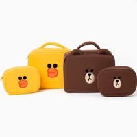 bolsa de pato amarillo al por mayor-Lindo conjunto de bolsas de cosméticos de oso marrón pato amarillo Bolsas de maquillaje 1big + 1 conjunto pequeño Estuche de maquillaje de viaje para niñas Estuche de belleza Bolsa de aseo Almacenamiento de baño