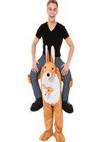trajes de mascote de canguru venda por atacado-Canguru de Halloween Em Montar Ombro Adulto Marrom Cara de Cerveja Traje Da Mascote Unisex Vestido Extravagante