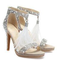 mujeres sandalias blancas pedreria al por mayor-Sandalias de cristal Foto Real embellecido T-bar para las mujeres de la pluma blanca de la franja zapatos de boda de tacón alto Luminoso Rhinestone sandalia