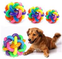 kleine hund spielzeug glocke großhandel-Pet Sound Toys Rainbow Knitting Bunte Glöckchen Ball Umweltschutz Puzzle Toys Training Katze und Hund Essential