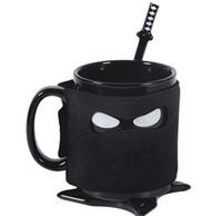 siyah seramik kahve kupaları toptan satış-Yaratıcı Ninja Kupa Siyah Maske Seramik Fincan Kaşık Kılıç Kahve Süt Çay Kupaları Ile Yenilik Hediyeler