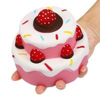 yeni çocuk oyuncakları toptan satış-Kawaii Yavaş Yükselen Yumuşacık Çilek Kek Şekli Krem Kokulu Oyuncak Çocuklar Yeni Yıl Hediyeleri Çocuk Yetişkin Kolye Squishies