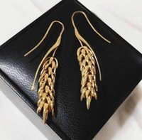 ohrring haken rot großhandel-2018New metallisches einfaches vielseitiges Netz rote Ohrringe Weizenähre Persönlichkeit gebogen Haken Ohrringe Mode koreanische Ohrringe weiblich