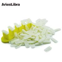 outils de travail en plastique achat en gros de-Plastique Nail Tips Affichage Pratique Support Titulaire + 100pc ongles conseils False Show Work Table Pratique Manucure Art Outils