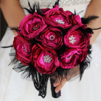 broche rubi vermelho venda por atacado-Nem Ruby Vermelho Buquê De Casamento Broche Feitos À Mão Tecidos Organza Preto Pena De Noiva Bouquet Vinho Vermelho Rosa Nupcial Pano Bouquets