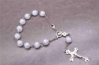 chapelet à perles blanches achat en gros de-Bracelet chapelet avec perles blanches TZK 12PCS. Bracelet de prière double chapelet. Bracelet perlé de bénédiction chrétienne 10mm