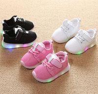 alt led toptan satış-Çocuk ışık ayakkabı 1-3-6 yaşında bebek yürüyor yumuşak alt nefes bebek spor ayakkabı LED ışık rahat örgü ayakkabı