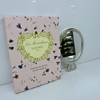 ingrosso regalo romantico della latta-New LADUREE Les Merveilleuses specchietto vintage a mano in metallo specchietto tascabile cosmetico Specchio per il trucco con borsa per il trasporto