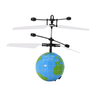 ingrosso giocattolo della sfera della terra-Giocattolo di induzione della sfera di volo di induzione intelligente luminoso a forma di terra di aeromobili a forma di terra dei bambini per i bambini adulti