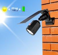 nouveaux lampadaires achat en gros de-New Solar Powered Simulation Caméra Lumière 10 LEDS 500LM Capteur de Mouvement Mur Lumière Extérieur Étanche Économie D'énergie Lampe Rue Cour De Chemin LLFA