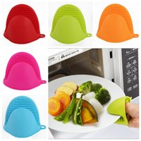 Wholesale oven clip - Thick Cake Bakeware Heat Resistant Silicone Oven Glove Short Finger Anti-slip Hand Clip Oven Mitt Convenient Potholder DDA572