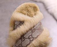обувь для девочек сандалии обувь оптовых-Мода Роскошный Дизайнер Женская Обувь Тапочки Женская Обувь Женщины Тапочки Крытый Сандалии Девушки Мода Потертости Высокое Качество Меховые Слайды