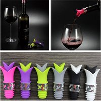 Wholesale flower bottle champagne - New Silicone Wine Pourer Lily Flower Shaped Bottle Stopper Vacuum Sealed Champagne Drinks Wine bottle plug 6 Colors IA572