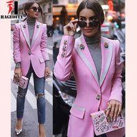 weibliche designer blazer großhandel-HAGEOFLY Hochwertige Mode 2018 Designer Blazer Frauen Langarm Floral Futter Rose Tasten Rosa Blazer Outer Jack ...