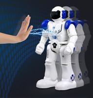 jouet parlant interactif achat en gros de-Robot RC Intelligent Télécommande Robots Programmables Intelligents Marcher Glisser Danse Musique Discuter Démostration Robot Interactif Jouets