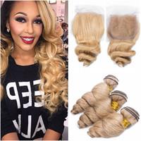медовый каштановый переплетение волос оптовых-#27 мед блондинка Малайзии свободные волны человеческих волос уток расширения с закрытием светло-коричневый девственные волосы ткать пучки с 4x4 кружева закрытия