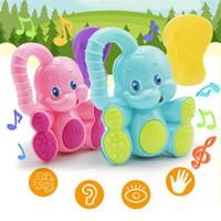 plastikelefanten spielzeug großhandel-Zufällige farbe niedlichen bunten elefanten baby toys kunststoff hand baby rassel handys jingle shaking bell baby toys musical pädagogisches spielzeug