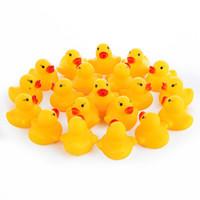canards en caoutchouc 12 achat en gros de-Canard jouet en caoutchouc avec Bibi Sound Mini Bain Natation Jouets pour enfants Cadeau de canard jaune pour enfants