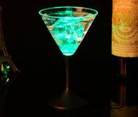 copos de cerveja quadrados venda por atacado-LEVOU Cocktail Cup Botão LED Light Up Piscando Piscando Tiki Bar Partido Bebida Brilho Fontes Do Partido