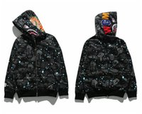 nouveaux lampadaires achat en gros de-2018 NeW Mens Hoodie Shark Head Pull Designer À Capuche Rue Hip Hop Night Light Camouflage À Capuche Pull C
