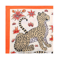 animales naranja al por mayor-Marca de fábrica de las mujeres cuatro estampado de leopardo bufanda patrón animal de lujo naranja chales mujeres seda stole foulard femme gran bufanda cuadrada 110 * 110