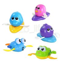 Wholesale frog floats - Baby Bath Water Toy Floating Plastic Wind-up Dolphin Cray Goldfish Penguin Frog Kids Toys Cute Swimming Toy DDA614