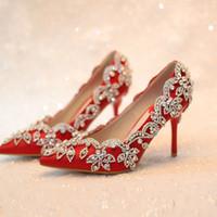 après les chaussures de fête achat en gros de-2018 chaussures de mariée à la main chaussures à talon bas bout pointu robe rouge femmes chaussures de danse en cristal après des chaussures de fête de mariage