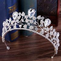coroa nupcial azul venda por atacado-2019 Princesa Cristais Coroa de Casamento Tiara De Noiva Barroco Rainha Rei Coroa Claro Vermelho Azul Vermelho Strass Nupcial Tiara Coroa Barato