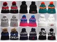 Cappelli invernali da basket Solid Hat donna Unisex Plain Warm Soft Stripe  da donna Skullies Berretti a maglia Touca Gorro Cuffie da donna con  cappuccio c356e5cd8f3c