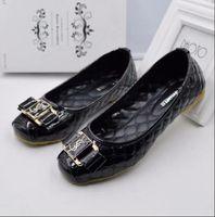 boncuk sandaletleri toptan satış-2017 kadın ayakkabı moda Boncuk Çapraz bant yaz sandal kadınlar için 39 s siyah boncuklu taklidi takozlar kamalar DÜĞÜN topuklar