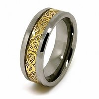 ejderha takılar toptan satış-8mm Yeni Tungsten Karbür Alyans Altın Celtic Ejderha Karbon Fiber Bildirimi Erkek Charms Infinity Takı