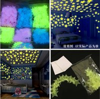 Wholesale beautiful baby toys - Wholesale-100Pcs 3D Glow Stickers Luminous stars Baby Bedroom Beautiful Fluorescent In The Dark Toy Festival