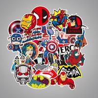 dc batman toptan satış-YENI 50 Adet / grup MARVEL Süper Kahraman Için Araba Çıkartmaları DC Araba Laptop Notebook Çıkartması Için Buzdolabı Kaykay Batman Superman Hulk Demir Adam