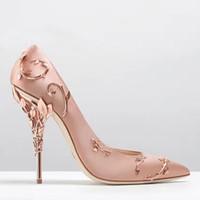 metal filigree toptan satış-Lüks Damızlık Metal Dekorasyon Ipek Ayakkabı Stiletto Topuk Gelin Düğün ayakkabı Seksi Sivri Burun Bayanlar Pompaları Telkari Yapraklar Yüksek Topuklu