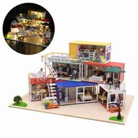 ahşap el yapımı ışık toptan satış-Hoomeda 13843Z 3D Ahşap Bulmaca DIY El Yapımı Konteyner Ev Müzik Kapak Işık Ile DIY Dollhouse Kiti 3D Japon Tarzı