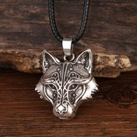 wolf choker großhandel-Sanlan Odin Wolf Und Raven Winged Anhänger Halskette Tier Mond Halsketten Männlichen Schmuck Geschenke Choker 12 teile / los