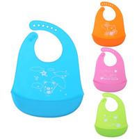 moda bebek kızı havlu toptan satış-Moda Kız Erkek Bebek Öğle Önlüğü Su Geçirmez Kaldırma Besleme Bebek Tükürük Havlu Çocuklar Sevimli Hayvanlar Silikon Önlükler