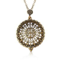 Wholesale Palace Glass - Vintage Magnifying Glass Pendant Necklace for Women Hollow Locket Pendant Personality Necklace Vintage Palace Pattern Jewelry Free DHL D551S