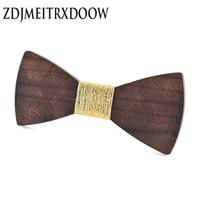pajarita azul paisley al por mayor-Pajarita de los hombres de oro Paisley de madera Bowtie de la boda de negocios Bowknot punto azul y negro pajaritas para los accesorios del partido del novio