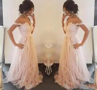 vestido de coral línea de encanto al por mayor-2019 Charming Blush Pink Lace Appliqued Vestidos de noche Playa de verano Sheer Neck A Line Tulle Vestidos de novia Jardín Vestidos de fiesta