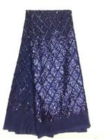 cordones africanos químicos franceses al por mayor-El diseño de la manera borda la tela africana africana del cordón de la red química con las lentejuelas diseño grande de la flor AMZ575
