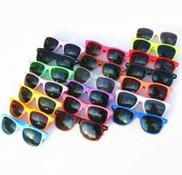 plástico para crianças venda por atacado-2018 20pcs venda quente Atacado óculos de sol plásticos retro clássico óculos de sol quadrados do vintage para mulheres homens adultos crianças misturar cores