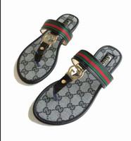 designer c venda por atacado-Senhoras Chinelos 2019 Mais Novo Designer de Moda de Luxo sapatos femininos Apartamentos C C sandálias de Verão de alta qualidade chinelos de Praia EUR 35-40