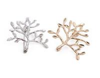 pintura de face metálica venda por atacado-Pequenas árvores broche pinos unisex jóias de metal preto branco pintura grande presente idéia sorriso face pin broches