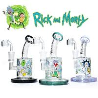cam bonglar toptan satış-Cam bong petrol teçhizat Rick Morty su bongs kadın 14.5mm dab kuleleri ile kuvars banger
