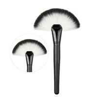 Wholesale apply cosmetics - Soft Large Fan Shape Makeup Brush Foundation Blush Blusher Highlighter Powder Cosmetic Apply Dust Cleaning Pro Party Beauty Tool