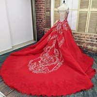 rote luxus meerjungfrau brautkleid großhandel-2018 Luxury Red Lace Mermaid Überrock Brautkleider mit abnehmbaren Rock Arabisch Dubai Kristall Perlen Brautkleider Vestido De Novia