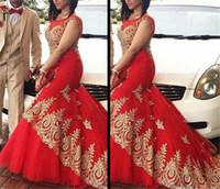 vestido vermelho estilo sereia de renda preta venda por atacado-Vermelho Sheer Sereia Vestidos de Noite Colher Pescoço Estilo Negeria Com Laço de Ouro Apliques de Festa de Formatura Vestidos de Slim Preto Vestido Meninas