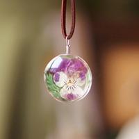 ingrosso viola fiori bianchi secchi-Collana con ciondolo Bohemia Collana con fiori in oro bianco con fiori viola essiccati